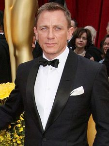 Daniel Craig. Snore but cute here